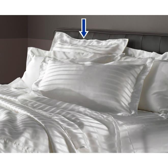 オールシルクシリーズ サテン織りピローケース 美しい光沢に上品なストライプ柄が映える、ラグジュアリーな一枚。※ストライプ柄のみのお届けになります。