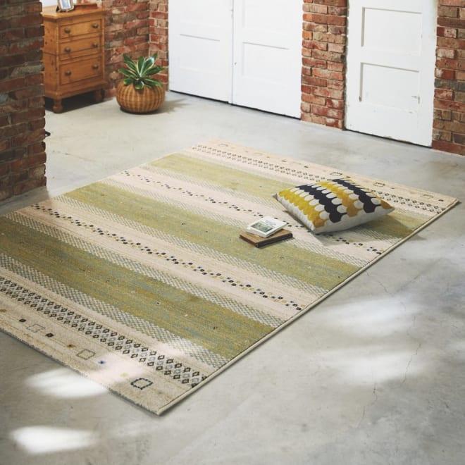 ベルギー製ウィルトン織りラグ〈ジーバ〉 (ア)グリーン系・約160×230cm