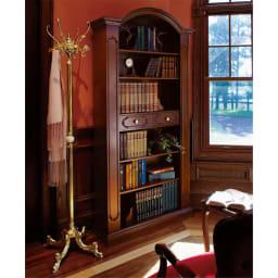 イタリア製クラシックシリーズ ブックシェルフ(飾り棚) ブックシェルフだけではなく、お気に入りのオブジェと込み合わせればさらに商品が引き立ちます。