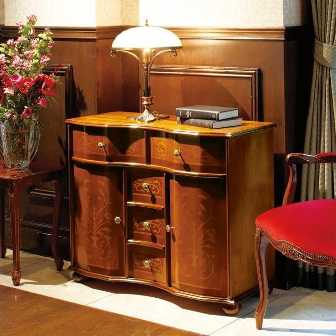 イタリア製象がんシリーズ ローキャビネット 美しい光沢が魅力なイタリア象嵌家具。お部屋のフォーカルポイントにも役立つ美しいデザイン。 ※お届けはキャビネットです。