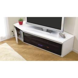 住宅事情を考えたコーナーテレビボード 幅123.5cm・左コーナー用(左側壁用) スタイリッシュなガラス扉がハイセンスにお部屋を彩ります。 実は薄型テレビ専用じゃない!なんとブラウン管でも使える設計。