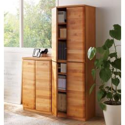 アルダー天然木 アールデザインブックシェルフ 幅60.5高さ172cm コーディネート例(ア)ナチュラル ※お届けは幅60.5高さ172cmタイプです。