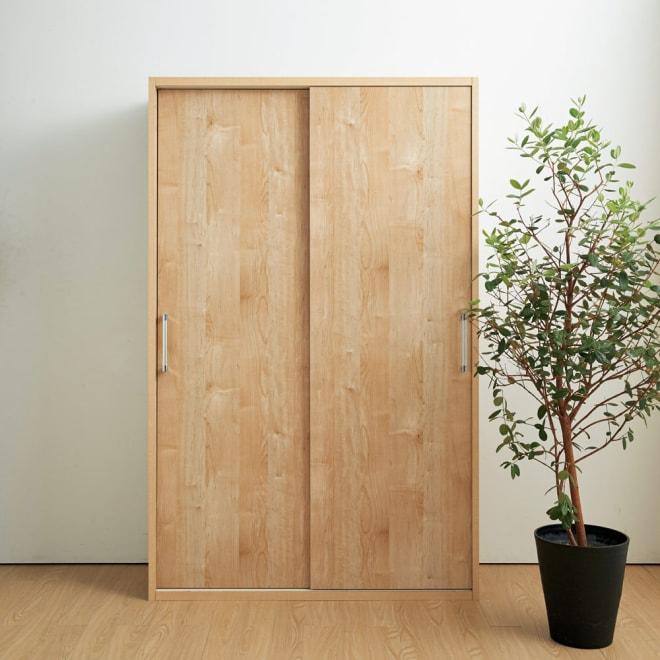天然木調引き戸本棚 幅78cm奥行40cm 大量の本をすべてを隠して、すっきりとした空間に。※写真は幅115奥行40cmタイプです。