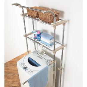 ステンレス製 洗濯機ラック(棚板2枚・ハンガー掛け・タオルハンガー付き) 写真