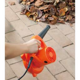 ハンディブロワー&バキューム 落ち葉をさっと集めて。