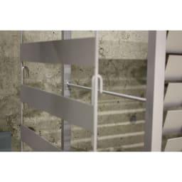 逆ルーバー室外機カバー 【大型対応】サイドパネル2枚組 フックを引っかけるだけの簡単設置。