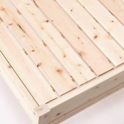 国産無塗装ひのきすのこベッドフレーム(すのこ板4分割) 床面には通気性のいいすのこを採用。すのこも国産ひのきを使用しております。