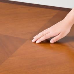 ベネチア調象がんシリーズ ダイニングテーブル・幅135cm 天板の模様は職人のなせる業の集大成。