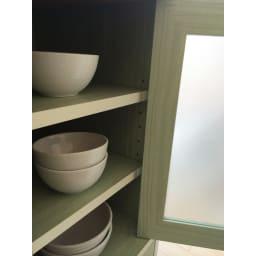 キッチン収納ミニ食器棚シリーズ キャビネット小(高さ90.5cm) 収納棚板は3cm間隔で高さを調整できます。
