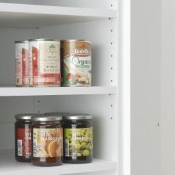 《幅59cm》ゴミ箱上を有効活用!下段オープンたっぷり収納庫 扉内の棚板は3cm間隔で高さ調節が可能です。