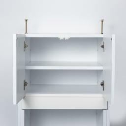 洗濯機が入るスライドバー付きシステムランドリー収納庫 洗濯機ラック 幅80cm スライドバー付き上部収納の棚板は3cm間隔で高さが調整できます。