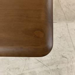 天然木伸長式センターテーブル 高さ60cm (イ)ブラウン 天板の角は子供にも安心の角丸仕上げ。