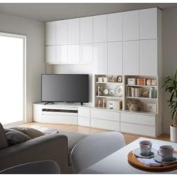 コーナーテレビ台壁面収納シリーズ 幅117cm TV台右壁設置用 コーディネート例 ダイニング目線(ア)ホワイト 画像は左設置用150cmです。