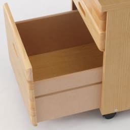 パイン天然木 薄型シンプルデスクシリーズ チェストワゴン 開閉もスムーズで収納力も抜群です。