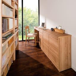 天然木調薄型コンパクトオフィスシリーズ 2枚扉キャビネット・幅80cm 使用イメージ ※お届けは一番手前の2枚扉キャビネットです。