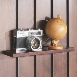 金具がきれいに隠せる 天然木突っ張りウォール 幅62cm 取付金具が目立たない棚板。