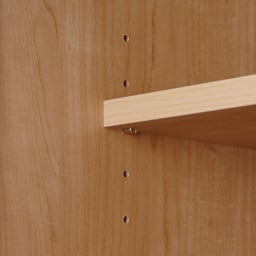 システム壁面ワードローブ 上置き・幅80高さ56cm 可動棚板は3cm間隔で調節可能。また、飛び出しや跳ね上がりも防ぐストッパー付きダボ(金具)で固定します。
