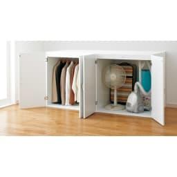 たっぷり奥行77cm モダン布団タンス 幅120cm 上下分割して使えるのでロータイプの収納庫としても使用可能です。