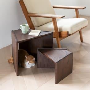 オーク天然木のネコとくつろぐ ネストテーブル 写真
