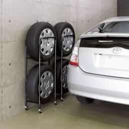 薄型タイヤラック2個組【軽自動車・普通車・大型車対応】【カバー付き有】 【省スペース収納】 普通車などのワイドタイヤに対応。