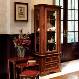 イタリア製クラシック ガラスコレクションキャビネット ※お届けはガラスコレクションキャビネットです。