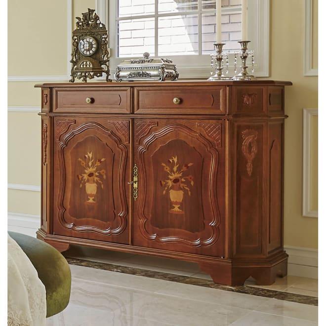 イタリアン家具シリーズ 象がんサイドボードキャビネット・幅124cm 象嵌細工の美しいイタリア家具のキャビネット。