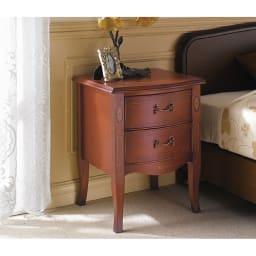ベネチア調象がんシリーズ ナイトテーブル ベッドサイドに置けば、ホテルの様な品格ある落ち着いた寝室に。