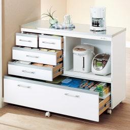 収納しやすいステンレストップカウンター 家電収納タイプ幅118cm ≪使用例≫お届けする商品の使用例です。※食器や家電などの小道具は含まれません。