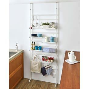 キッチンのデッドスペースを活用 突っ張り式収納ラック 幅81cm(本体76cm) 写真