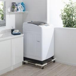 耐荷重約150kg ステンレス洗濯機置き台【洗濯機設置台】 (使用イメージ)