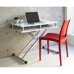 棚付き昇降式テーブル 幅120cm 使用イメージ(ア)ホワイト 高さ70cm時(※写真は幅102cmタイプ)