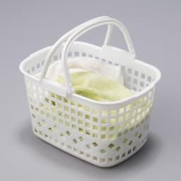 32cmまでの段差対応 奥行たっぷりランドリーラック 棚1段・バスケット2個 バスケットは洗濯物やバスタオルの収納に便利。持ち運びしやすい取っ手付きです。