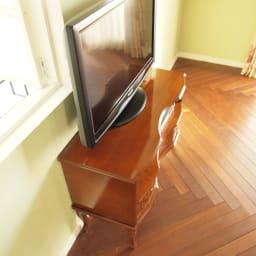 イタリア製 猫脚 象がんシリーズ テレビ台 幅87cm テレビ台の設置幅をスリムに収めたい場合や、32型液晶テレビ以下のサイズを設置される場合におすすめです。