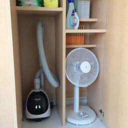 日用品もしまえる頑丈段違い書棚(本棚) 幅80cm 高さ180cm 本やCD、掃除機や扇風機までOK。