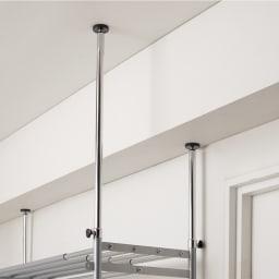 ウォークイン突っ張り ハンガーシリーズ カーテン付きタイプ ロータイプ バスケット幅48cm 天井の高さは218~280cmまで対応できます。