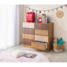 【幅100・4段】北欧風グラデーションチェスト  コーディネート例 お子様部屋に置いてみれば、一気にかわいらしい雰囲気のある家具へと様変わり。