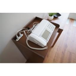 デスク上すっきりマルチワゴンシリーズ B4対応タイプ 電話台、FAX台としてもご利用頂けます。