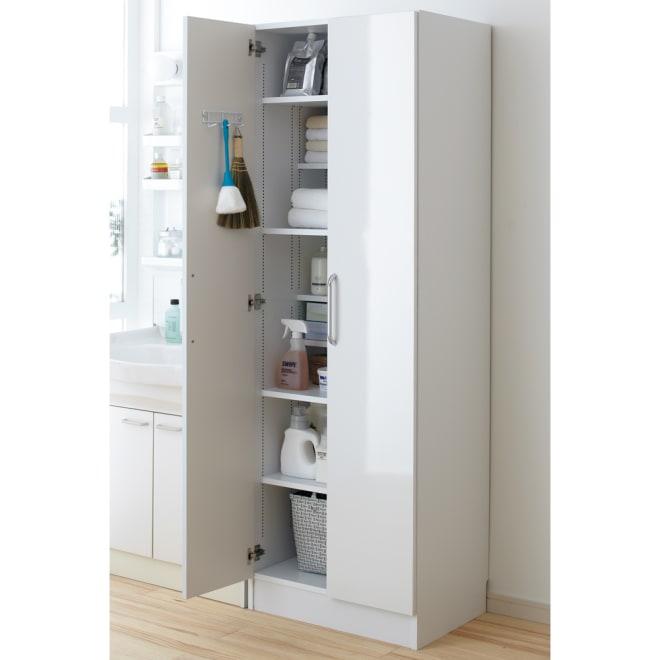 組立不要 たっぷりハウスキーピング収納庫 幅60・奥行45cm 奥行45cmタイプは洗面所や脱衣所の収納庫として活躍します。