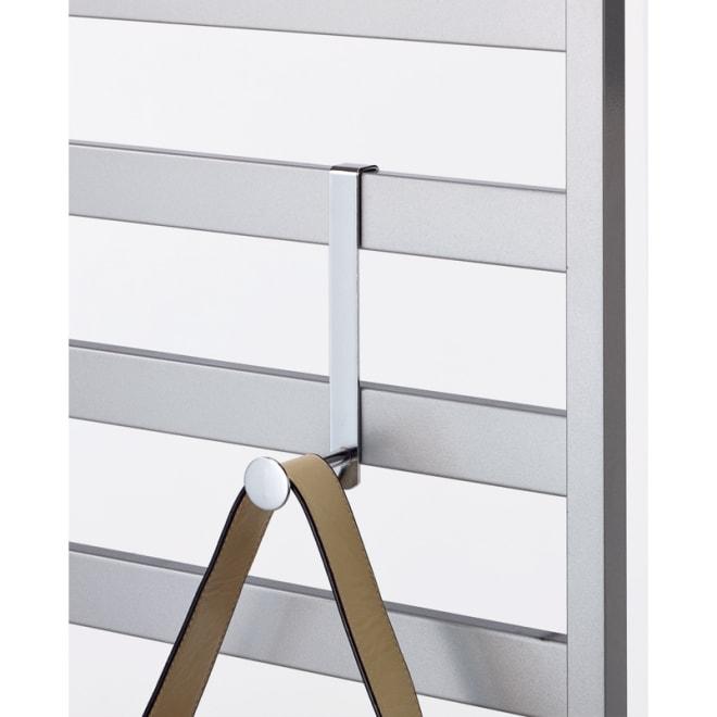 天井突っ張り壁面ディスプレイハンガー用 L字フック5個組 L字フックは好きな場所に設置可能。