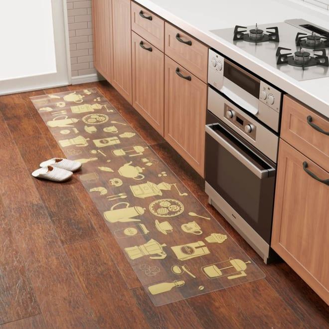 塩ビプリントキッチンマット ティーセット 引き出しの開け閉めにも邪魔にならない厚さ約1mmで床を保護します。 (ア)ライトイエロー ※写真は約50×240cmタイプです。