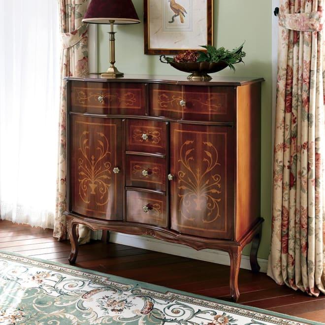 イタリア製 象がん 収納家具 猫脚 コンソール チェスト キャビネット 美しい光沢が魅力なイタリア象嵌家具。お部屋のフォーカルポイントにも役立つ美しいデザイン。