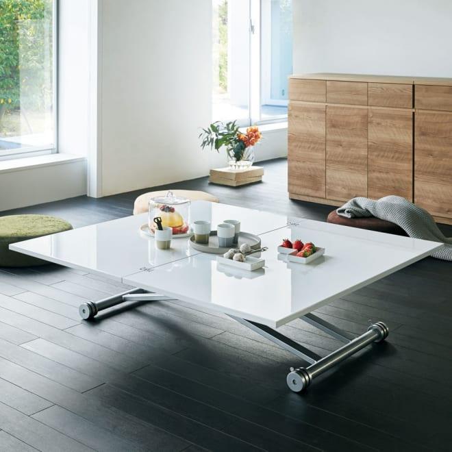 伸長式ガス圧昇降テーブル 幅120(天板110)cm コーディネート例(ア)ホワイト 場面に合わせて伸長・昇降できるフレキシブルなマルチファンクションテーブル。