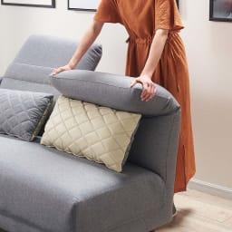 リクライニングソファ1人掛け 背面は女性でも簡単にリクライニングができます。