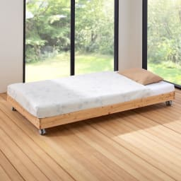 ひのきが香る天然木 親子すのこベッド 下段ベッド 布団敷いたイメージ。 ※お届けはベッドフレームのみです。