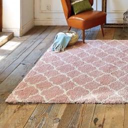 ベルギー製ウィルトン織りボリュームラグ (ウ)ピンク系