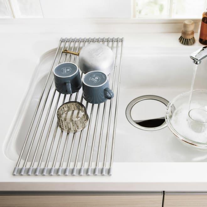 ステンレス製たためる水切り ハーフタイプ 奥行52 食洗機や大容量の水切りと併用される方や、ボウルや割れやすいグラスの洗い置き場にも重宝。