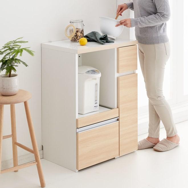 サイズが選べる家電収納キッチンカウンター ロータイプ 幅60cm 調理台・家電収納・収納棚・引出の機能を1台でコンパクトにまとめたキッチンカウンター。