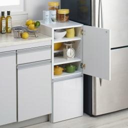幅と高さが選べる3WAYキッチンストッカー ロータイプ(高さ89cm)幅35cm (右開き設定時) キッチン収納をもっと便利にする2通りの機能を持ったストッカーです。