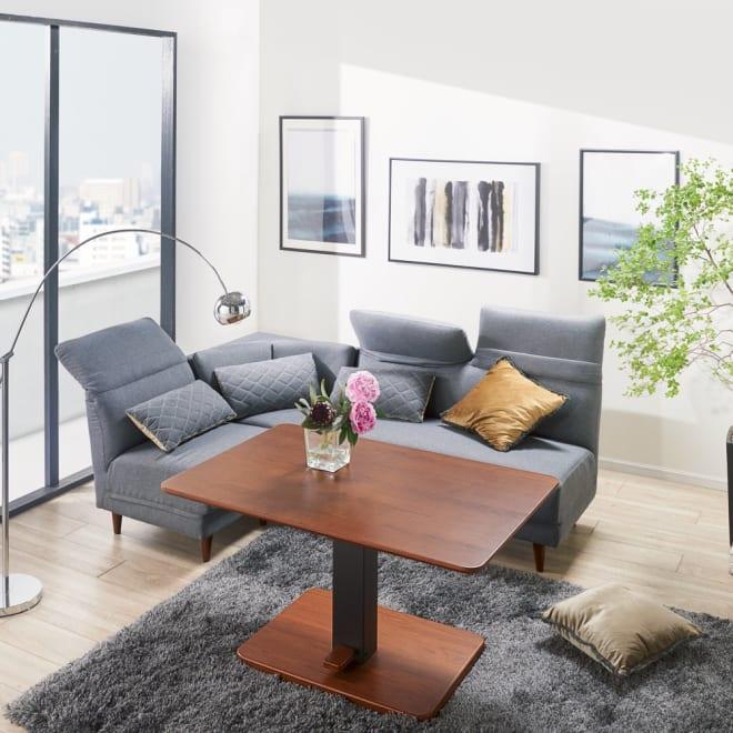 布団がいらないダイニングこたつシリーズ 昇降式こたつテーブル 幅120cm コーディネート例(ア)ブラウン (ア)の天板はウォルナット天然木の突板を使用。