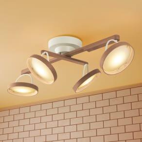 木製LEDシーリングライト 写真
